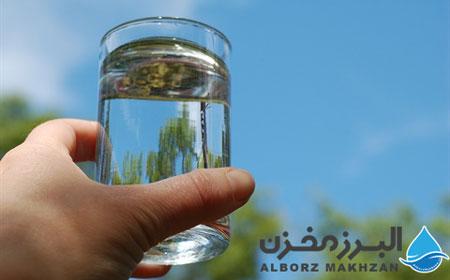 کیفیت آب در مخزن آب پلاستیکی و فلزی
